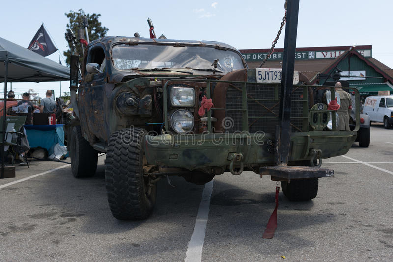 vehículo Posts-apocalíptico de la supervivencia fotos de archivo
