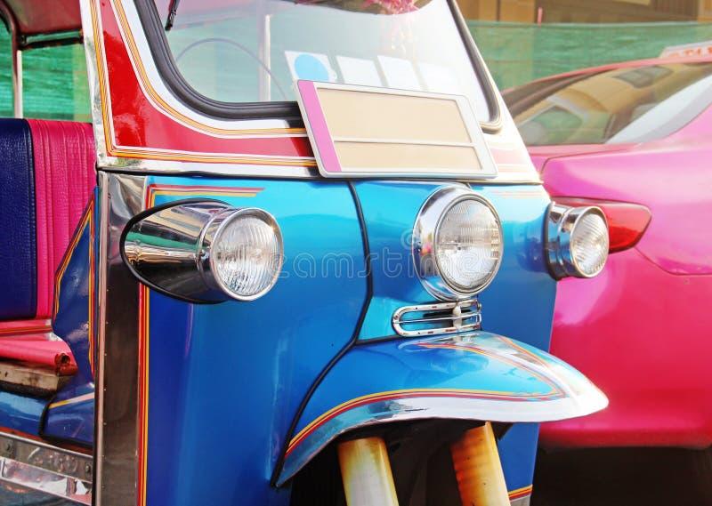 Vehículo urbano azul de Tuk-Tuk imagenes de archivo