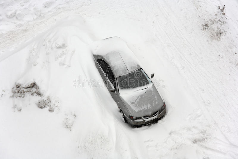 Download Vehicle In Snowfall. Stock Image - Image: 13132541