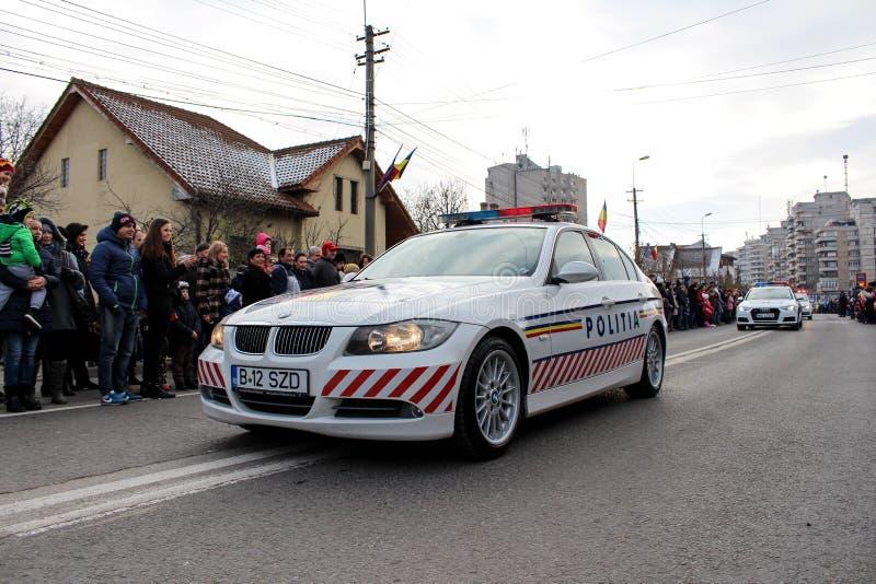 Vehicule militare della polizia di parata di festa nazionale rumena immagini stock