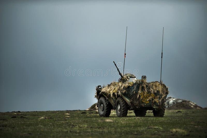 Veicolo da combattimento corazzato rumeno nel poligono militare rumeno immagini stock libere da diritti