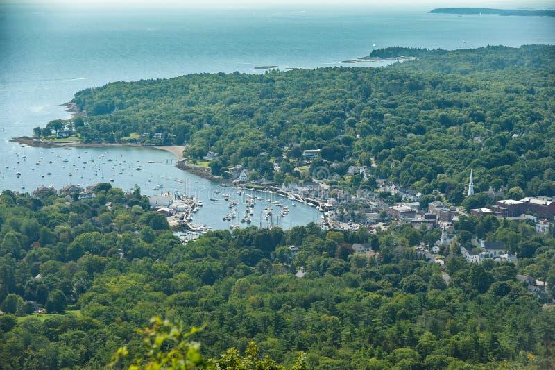 Veilige Natuurlijke haven op de Kust van Maine stock fotografie