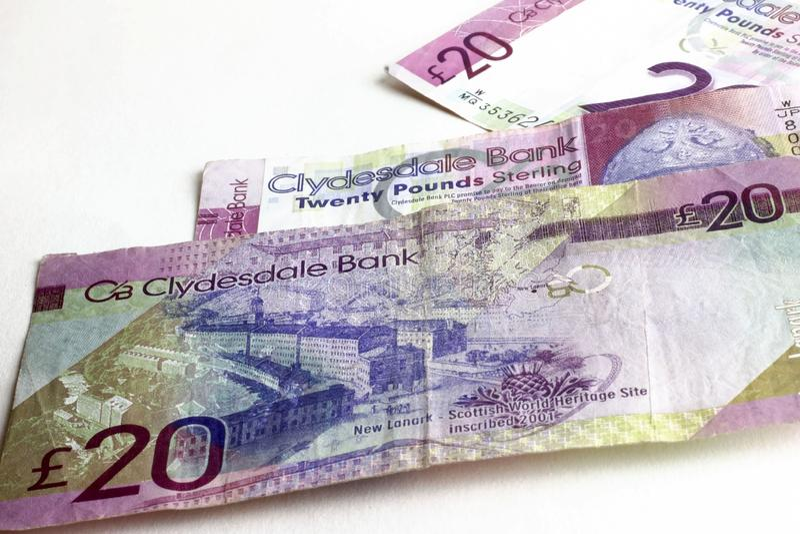 Veinte libras de billetes de banco Dinero escocés imagenes de archivo