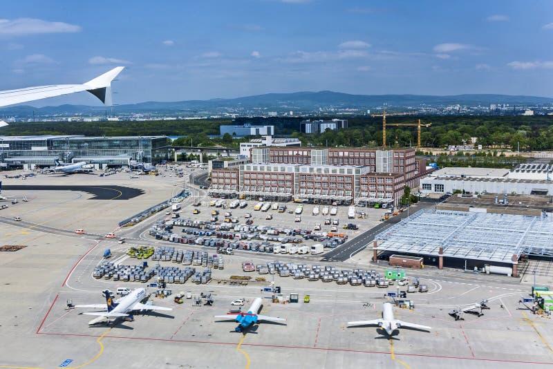 Veja ao terminal novo 2 no aeroporto internacional de Francoforte imagem de stock royalty free