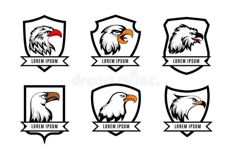 Vektorörnen eller amerikanfalken heads med sköldlogomallar stock illustrationer