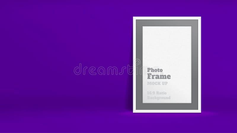 Vektor av den tomma fotoramen i livligt violett studiorum, mallåtlöje upp för skärm eller montage av ditt innehåll, affärspresent royaltyfri illustrationer