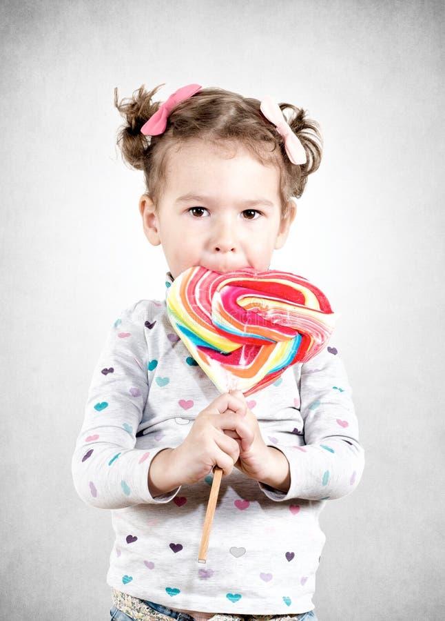 vektor för illustration för godistecknad filmbarn royaltyfri bild