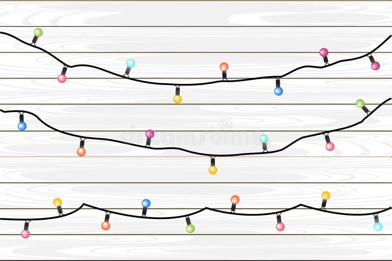 Vektorfeiertagsgirlanden mit bunten Lampen auf einem hölzernen Wandhintergrund lizenzfreie abbildung