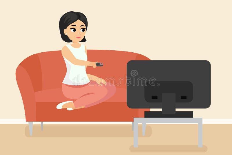 Vektorillustration av kvinnasammanträde på hållande ögonen på TV för soffa Ung vuxen flicka på soffan framme av televisionskärmen stock illustrationer