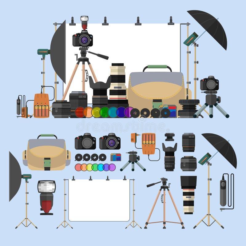 Vektorsatz Fotografiegegenstände Fotoausrüstungsgestaltungselemente und -ikonen in der flachen Art Digitalkameras für lizenzfreie abbildung