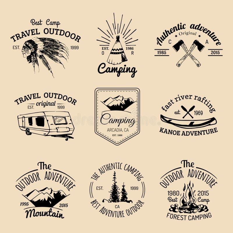 Vektorsatz kampierende Logos Tourismusembleme oder -ausweise Unterzeichnet Sammlung Abenteuer im Freien mit indischen Elementen vektor abbildung