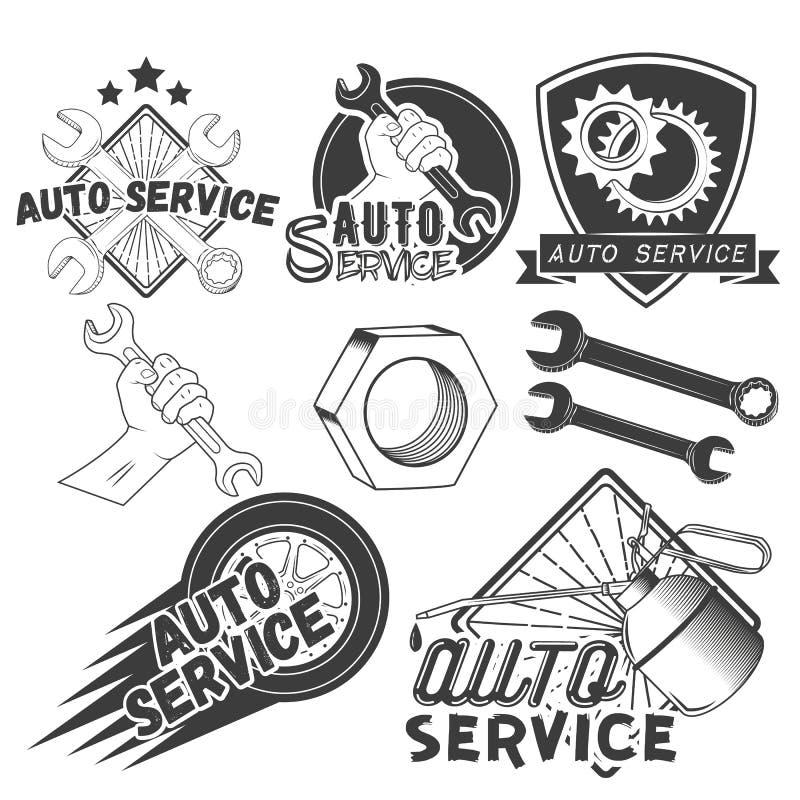 Vektoruppsättning av automatiskserviceetiketter i tappningstil Bilreparationen shoppar baner Mekanikerhjälpmedel som isoleras på  vektor illustrationer