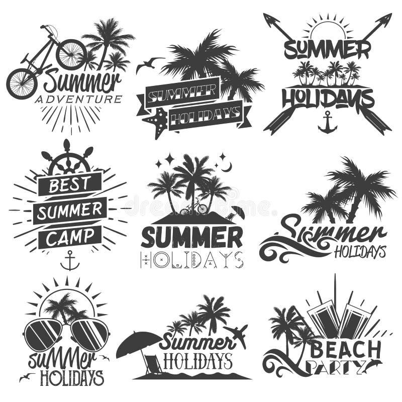 Vektoruppsättning av etiketter för sommarsäsong i tappningstil royaltyfri illustrationer