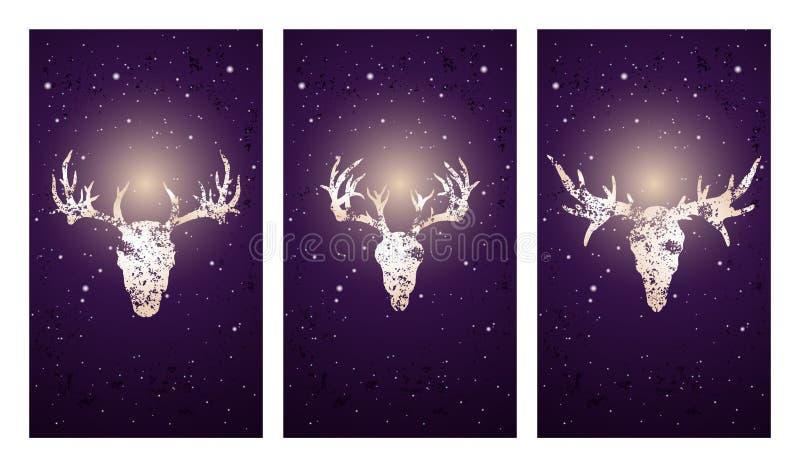 Vektoruppsättning av tre illustrationer med konturskallar hjortar och älg på purpurfärgad stjärnklar himmelbakgrund stock illustrationer