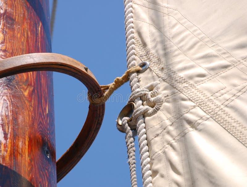 Vela alta do navio fotografia de stock