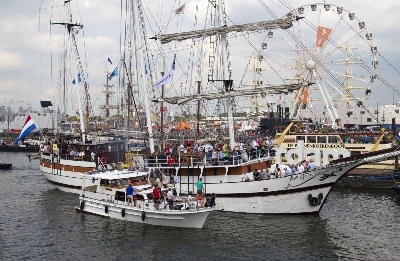 Vela Amsterdão 2015 dos barcos de vela imagens de stock royalty free