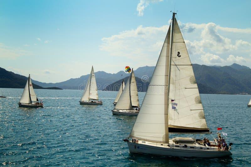 Vela di regatta di navigazione & trofeo di divertimento in Turchia immagini stock libere da diritti