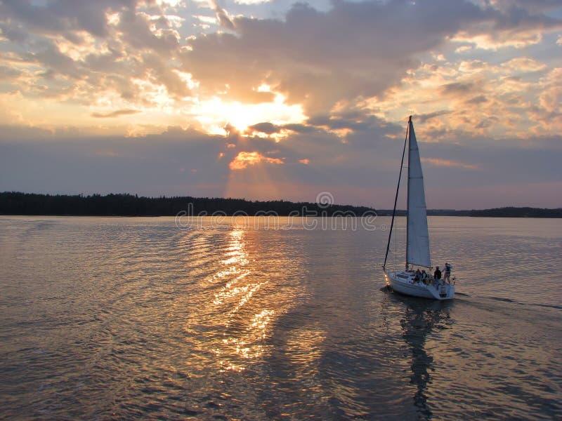 Vela di sera dal lago immagini stock libere da diritti