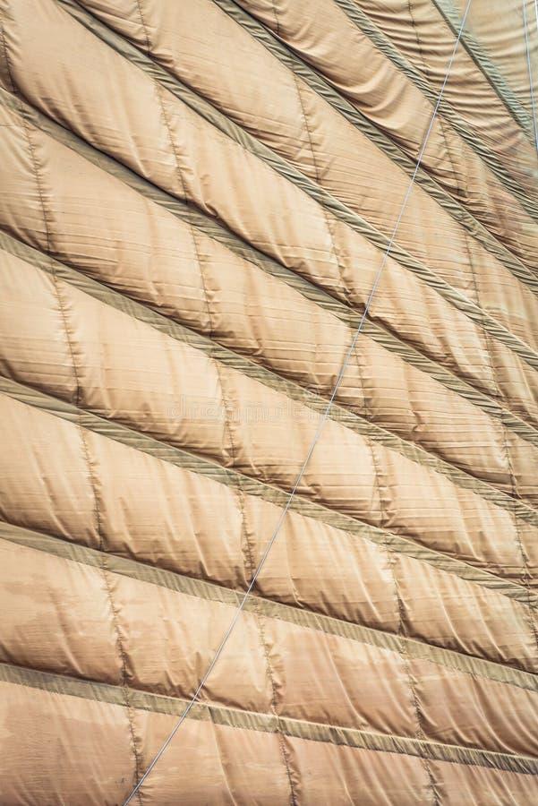 Vela marrón clara del cierre vietnamita del barco para arriba. fotografía de archivo libre de regalías