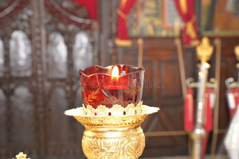 Velas bonitas da igreja fotografia de stock royalty free