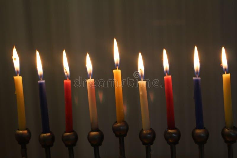 Velas de Jánuca para el día de fiesta judío de la luz foto de archivo