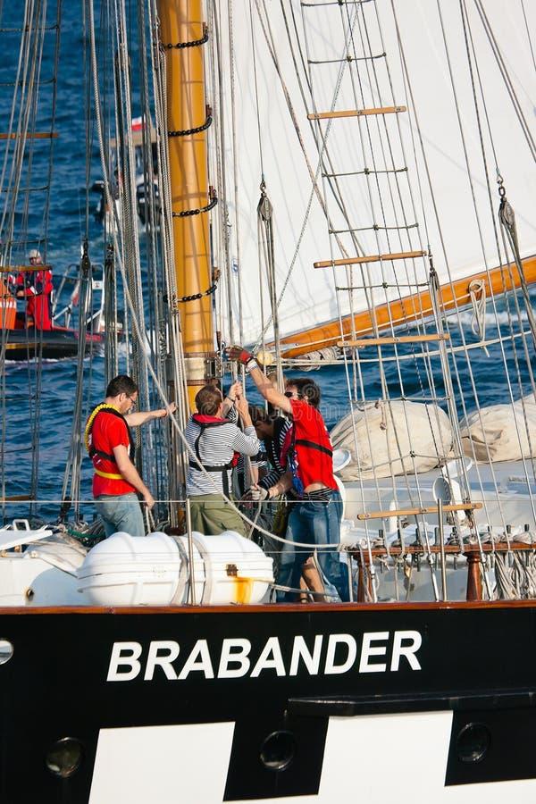 Velas de la configuración en la nave de Brabander foto de archivo