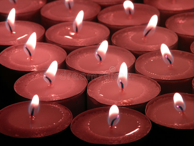 Velas de la conmemoración fotografía de archivo libre de regalías