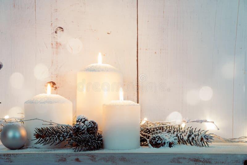 Velas de la Navidad blanca fotos de archivo