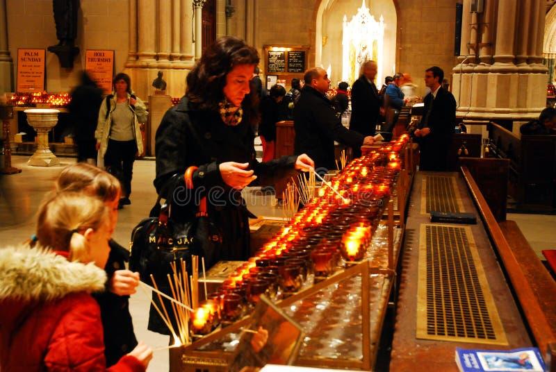 Velas del rezo, St Patricls fotografía de archivo libre de regalías
