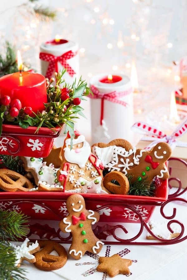 Velas do Natal da tabela decoration fotos de stock royalty free