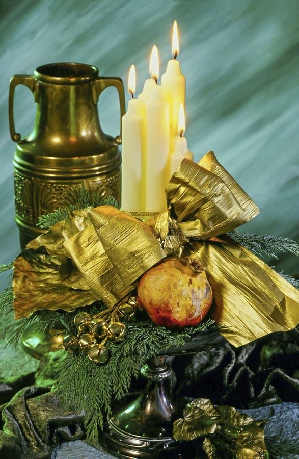 Velas e luzes do Natal com as antiguidade fotos de stock royalty free