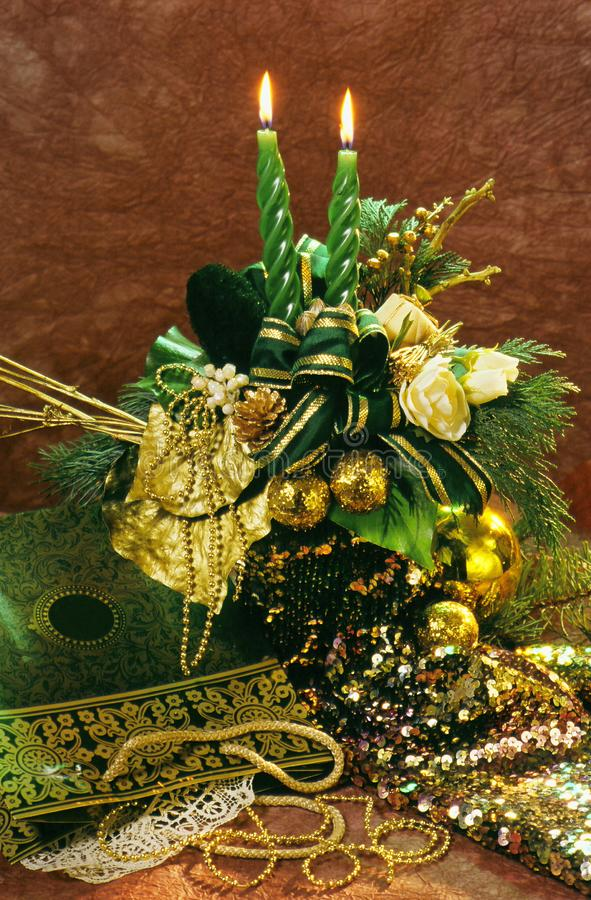 Velas e luzes do Natal com as antiguidade fotografia de stock