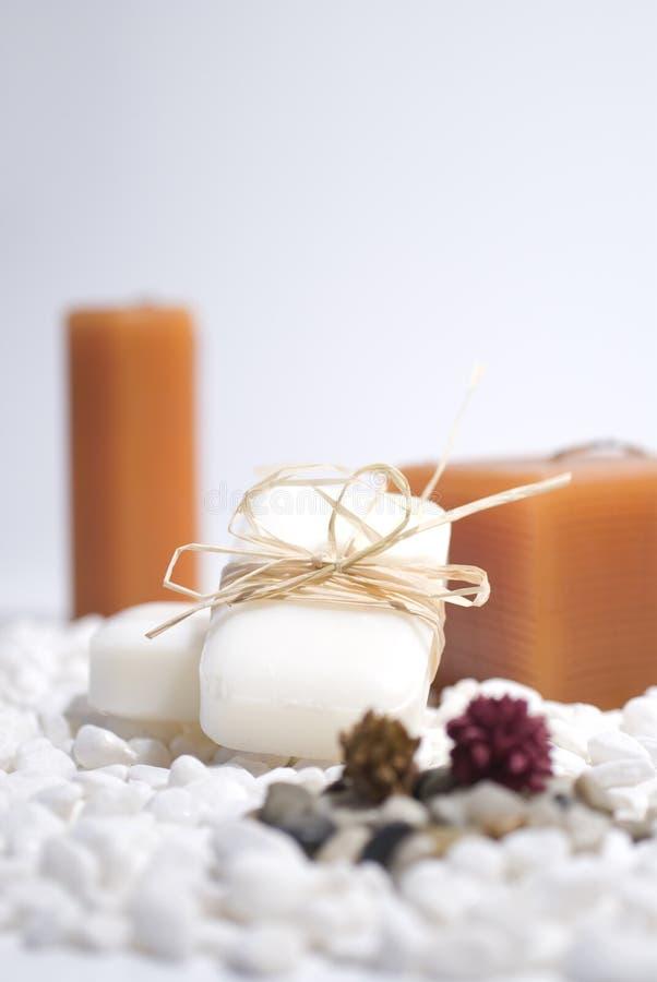 Velas e sabão do zen dos TERMAS foto de stock