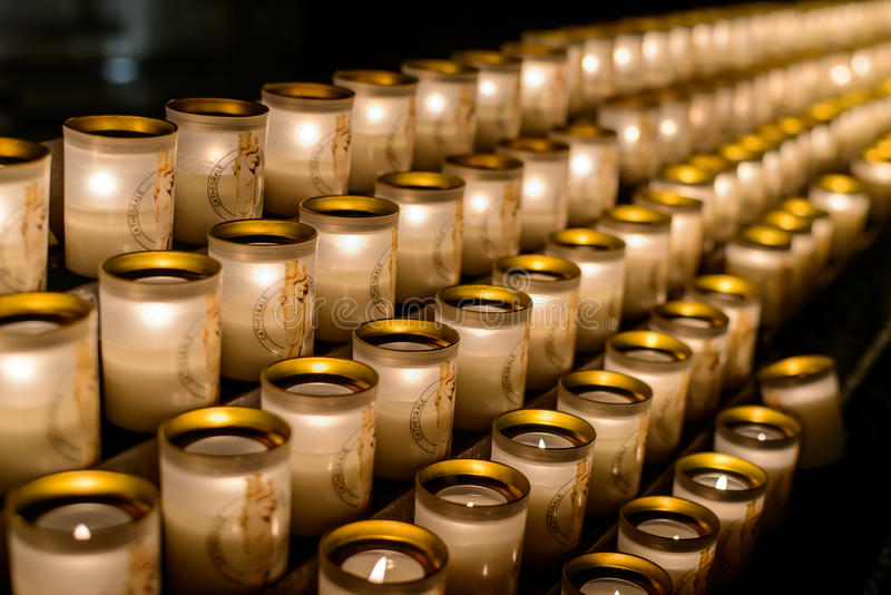 Velas En Notre-Dame De Paris Notre-Dame De Paris - Catedral ...