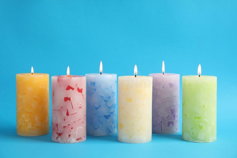 Velas scented da cera Alight fotos de stock