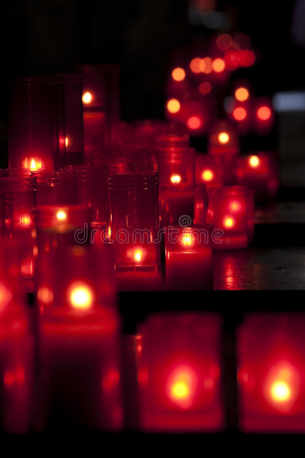 Velas vermelhas fotografia de stock royalty free