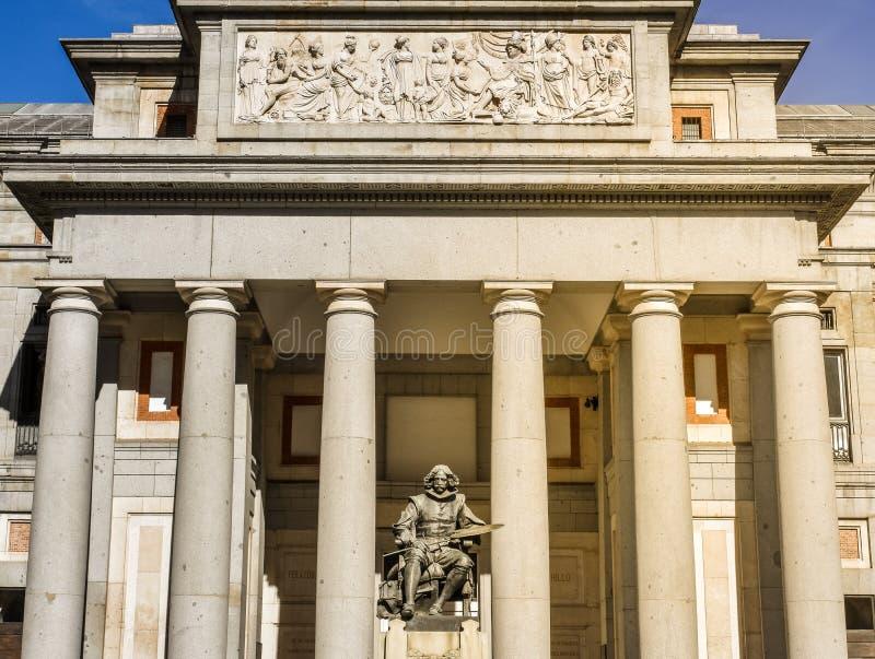 Velazquez tillträde till det Prado museet Madrid, Spanien royaltyfri bild