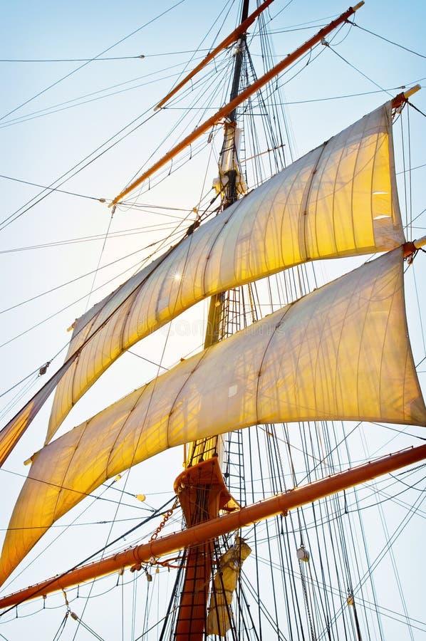 Vele alte della nave fotografia stock