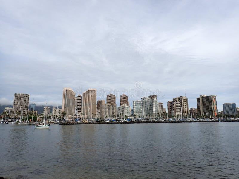 Vele della barca dall'ala Wai Boat Harbor fotografia stock libera da diritti