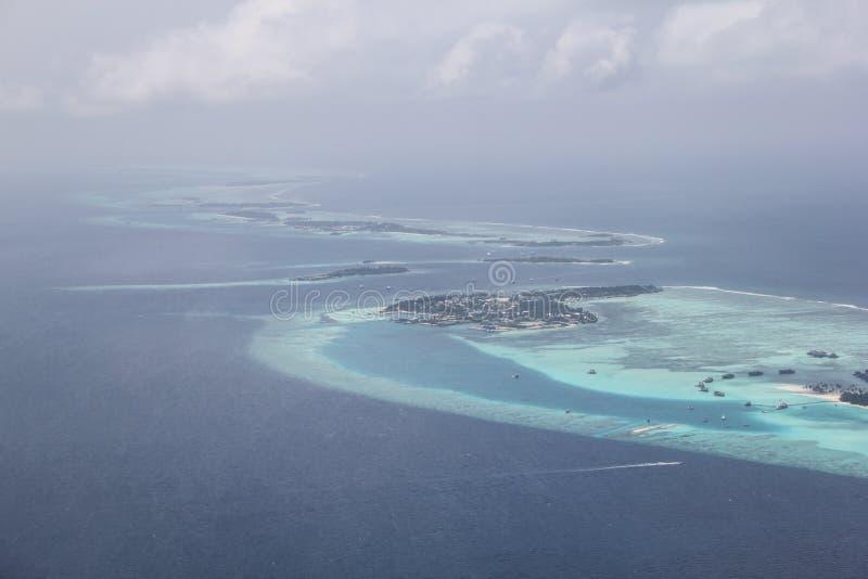 Vele eilanden in de oceaan zijn mooi royalty-vrije stock foto