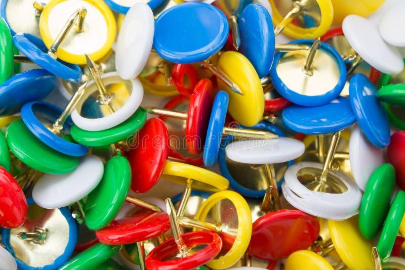 Vele gekleurde kopspijkers royalty-vrije stock foto's