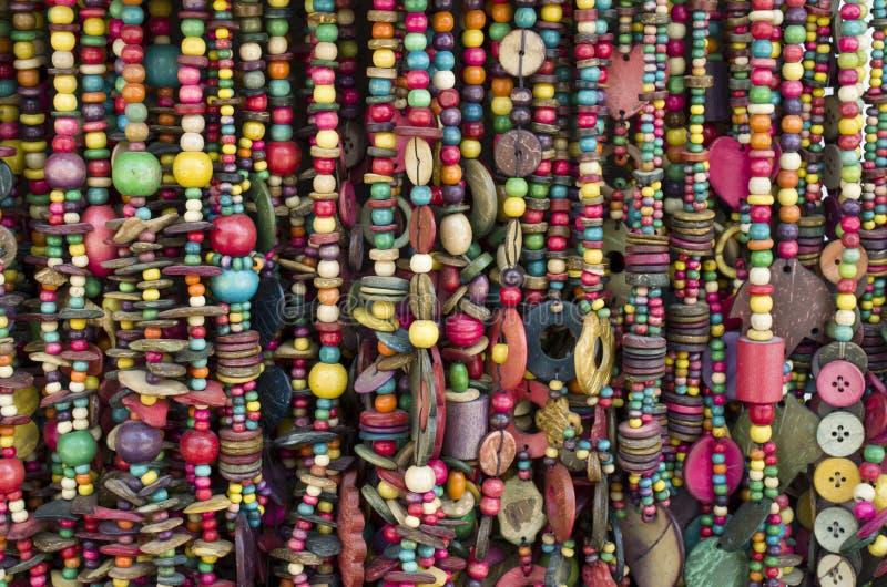 Vele nieuwe halsbanden van kokosnotenshell royalty-vrije stock foto's