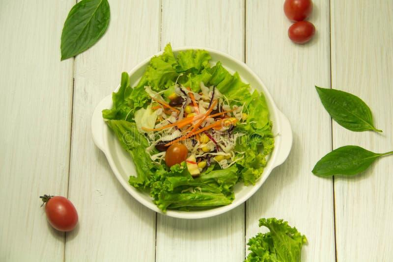 Vele soorten fruit en plantaardige salades royalty-vrije stock foto