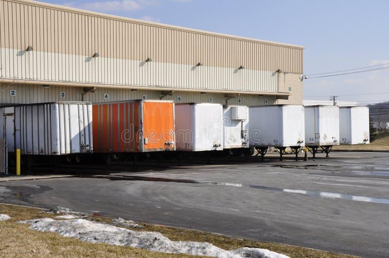 Vele vrachtwagens het leegmaken royalty-vrije stock fotografie