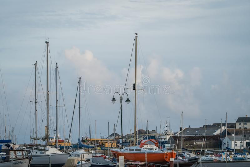 Veleiros no porto de Penzance imagens de stock royalty free