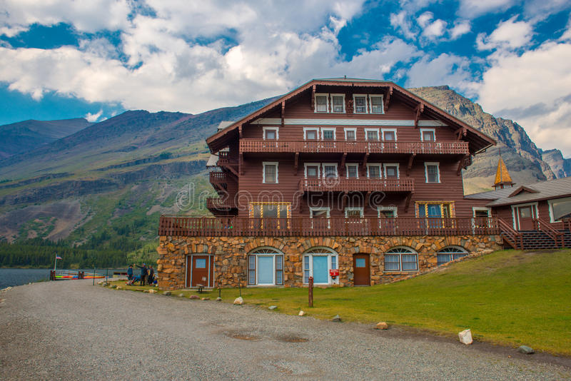 Velen de Gletsjer Nationaal Park van het Gletsjerhotel royalty-vrije stock foto's