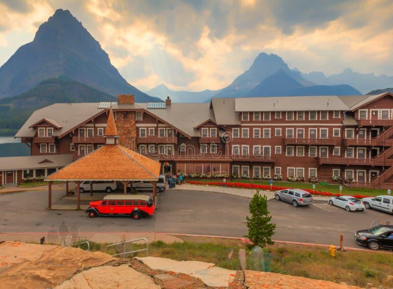 Velen de Gletsjer Nationaal Park van het Gletsjerhotel royalty-vrije stock afbeelding