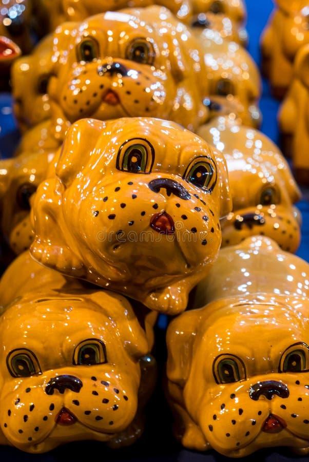 Velen Spaarvarken Van een hond op Verkoop stock afbeelding
