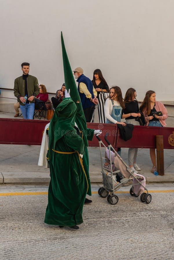 参加队伍的贝莱斯-马拉加,西班牙- 2018 3月29日,人在圣周在西班牙城市 免版税图库摄影
