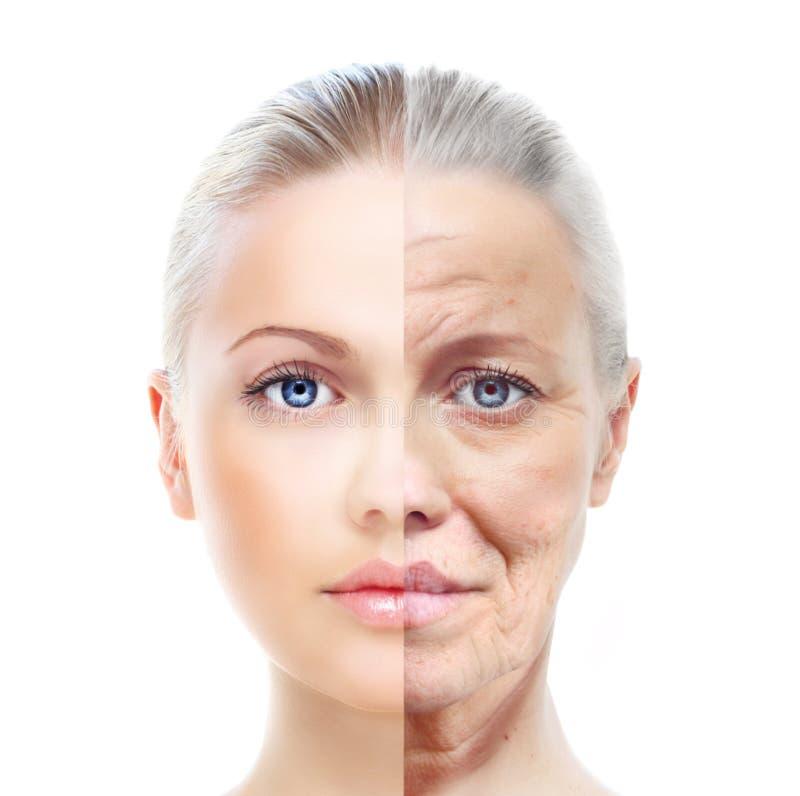 Velho e jovem mulher, isolados no branco, antes e depois de retocar, foto de stock royalty free